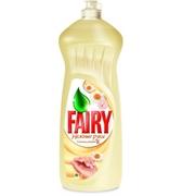 FAIRY Средство для мытья посуды Нежные руки Ромашка и витамин Е 1л